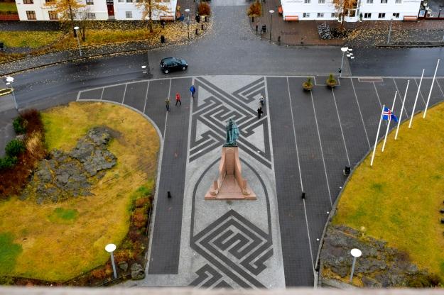 Hallgrimskirkja square